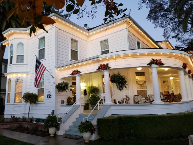 About, The River Belle Inn